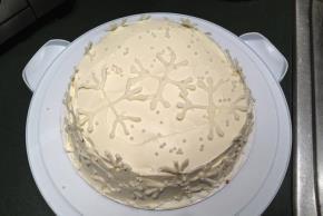Vanilla Snowflake Cake Image 2