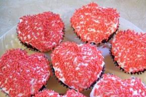 Sweetheart Cut-Up Cake Image 2
