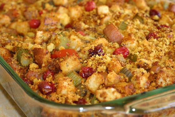 cornbread-cranberry-dressing-448620 Image 1