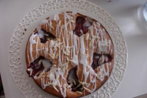 fruit-filled-coffee-cake-112707 Image 1