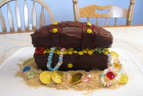 Hidden Treasure Chest Cake Image 2
