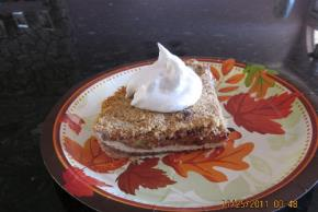 Cranberry-Pear Crumble Pie Image 3